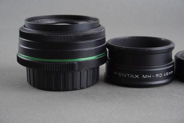 SMC Pentax DA 2.4 / 70mm lens, Limited