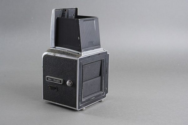 Hasselblad 500C camera body with waist level finder. Defect. For parts only. (wlf loupe missing, internal spring for body back shutter missing)