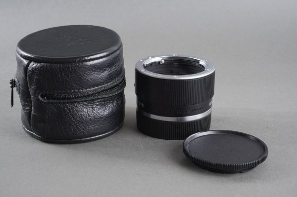 Leica Apo-Extender-R 2x in leather case