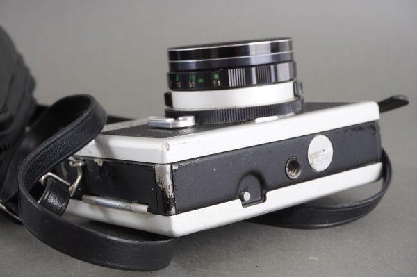 Ricoh 500G compact rangefinder camera