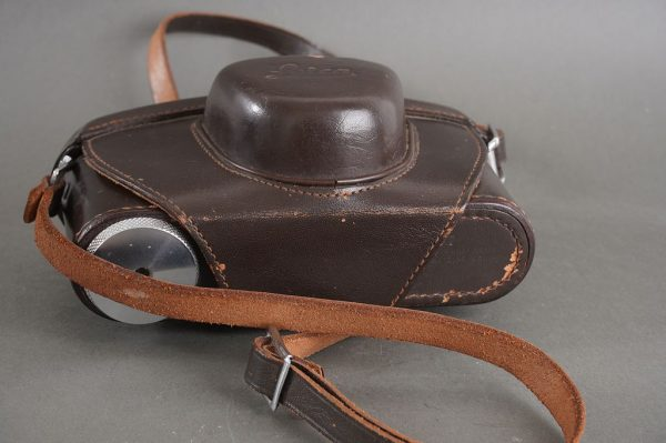 Leica brown leather everready case for M cameras with collapsible lens (short nose)
