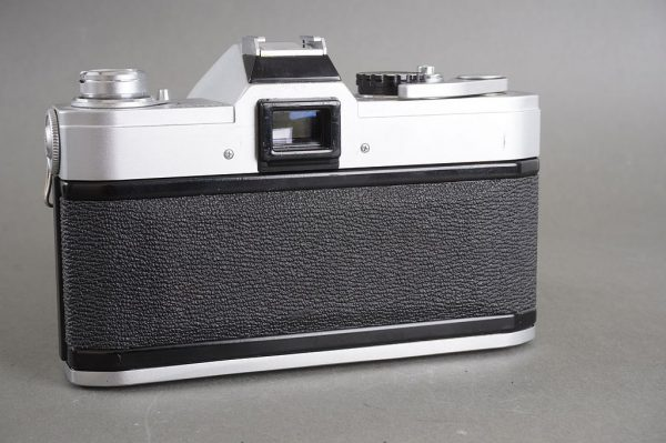Canon FT QL camera with FL 50mm 1:1.8 lens