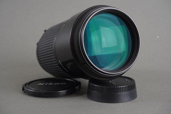 Nikon AF Nikkor 70-210mm 1:4 lens