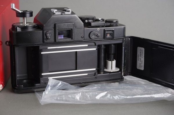 Leica R3 Electronic camera body – boxed