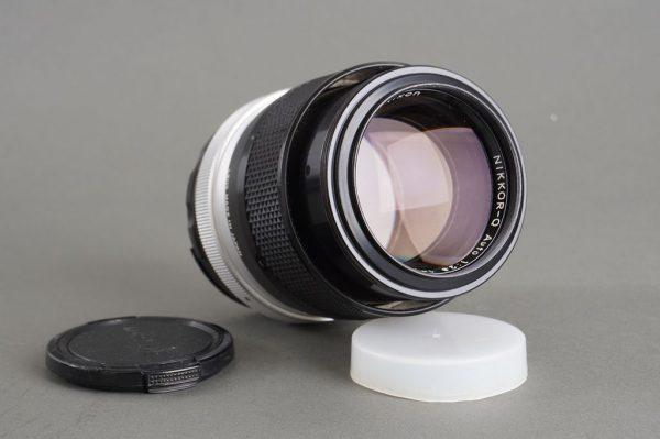 Nikon Nikkor-Q auto 135mm 1:2.8 AI lens
