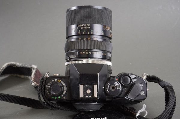 Contax 159 MM camera with Tamron 01A 35-80mm 1:2.8-3.8 CF Macro lens