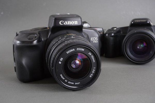 Lot of 4x various AF cameras: Canon, Olympus, Pentax – all with lenses + Nikon N2020 AF