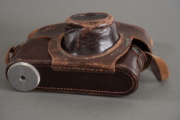 Leitz everready case for screw-mount Leica with VIOOH finder attached