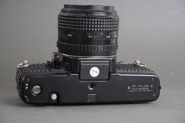 Praktica B200 electronic + Pentacon Prakticar 50mm 1:1.8 MC lens