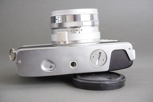 Minolta Hi-Matic 11 Super 3 Circuit rangefinder camera with 1.7/45 Rokkor lens