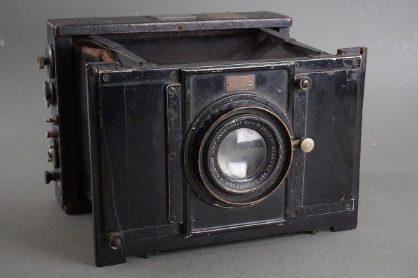 Ottomar Anschutz Press camera with Goerz Cellor 168mm 1:4.8 lens