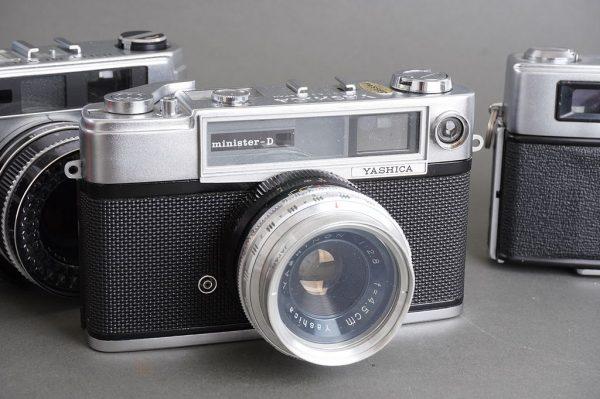 lot of 3x vintage rangefinder cameras: Minolta, Beauty, Yashica