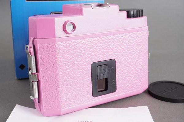 Holda 120N fancy pink 6×6 / 6×4.5 camera, boxed