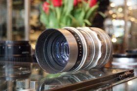 Meyer-Optik Trioplan 1:2.8 / 100mm M42 mount lens