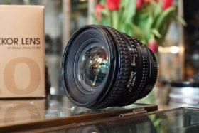 Nikon AF Nikkor 2.8 / 20mm D, Boxed