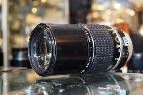 Nikon Nikkor 1:4 / 200mm Ai-s lens