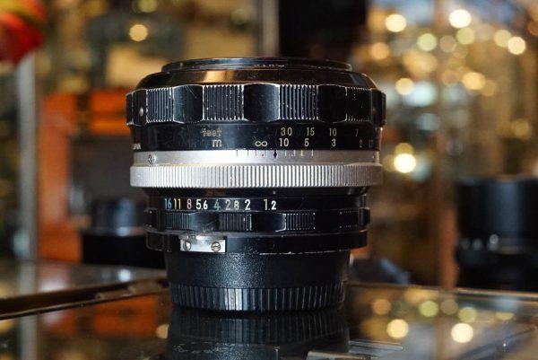 Nippon Kogaku Nikkor-S 1:1.2 / 55mm pre-ai lens