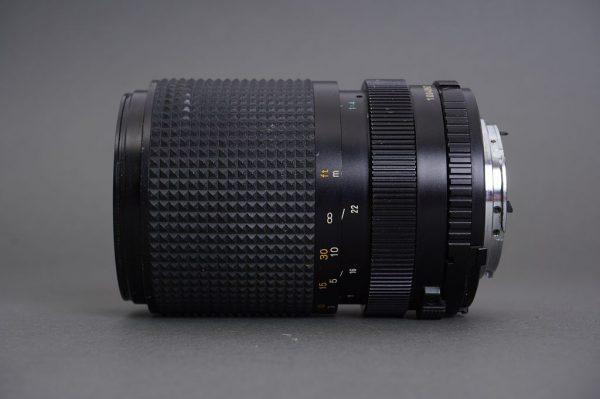 Minolta MD Zoom 35-105mm 1:3.5-4.5 lens