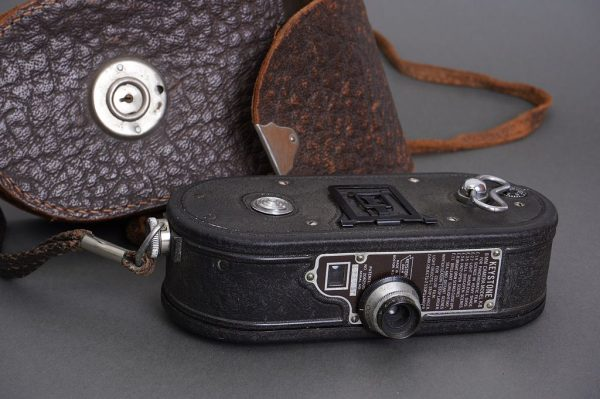 Keystone K-8 8mm cine camera, cased, with Wollensack lens