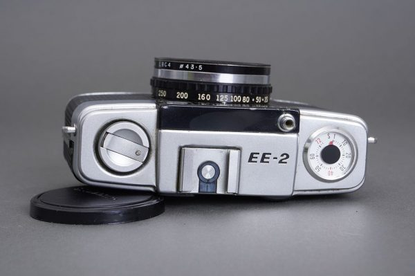 Olympus Pen EE-2 camera, with issues