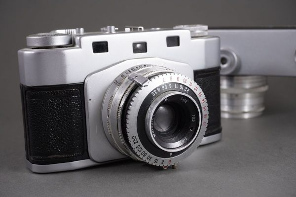 Juost coupled rangefinder camera with T-32 3.5/4.5cm lens, by GOMZ / LOMO + 2x Zorki cameras