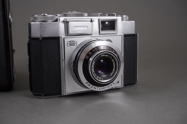 lot of 3x vintage cameras: Zeiss Ikon x2 + Vena Amsterdam