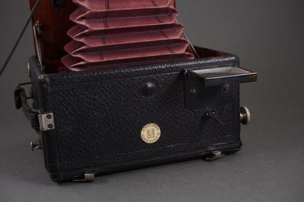 H. Ernemann Dresden folding camera with Goerz Doppel Anastigmat 130mm lens – very nice