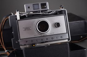 Polaroid 350 and Kodak EK6 instantr cameras set, both cased
