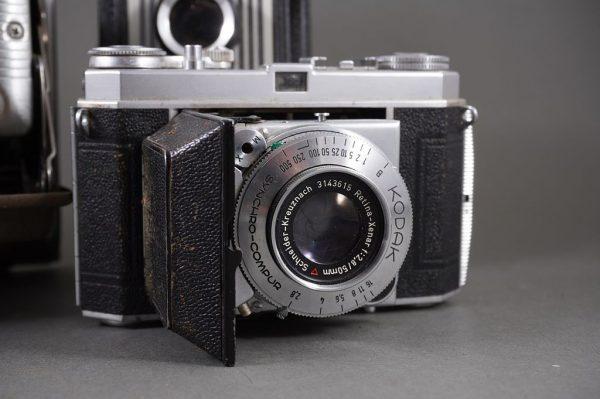 lot of 3x vintage cameras: Polaroid Land Camera 80B, Kodak Retina Ia, Dauphin
