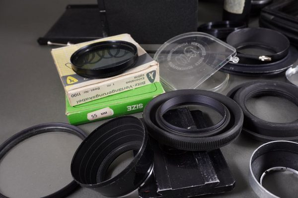Profectomat professional lens hood with Bay VI fit for Rollei, with filter holder + a bunch of accs.