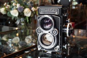 Rolleiflex 2.8F TLR camera with Carl Zeiss Planar 2.8 / 80mm lens – Rental