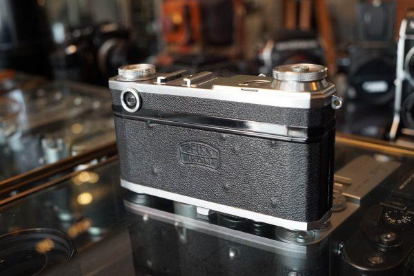 Contax II rangefinder + Carl Zeiss Tessar 2.8 / 50mm lens