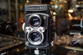 Yashica 635 TLR camera
