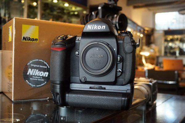 Nikon F6 body + MB-40 in original box