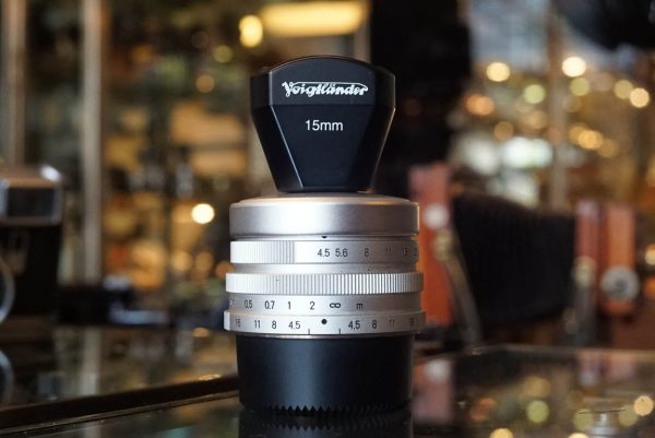 Voigtlander Super Wide-Heliar 15mm f4.5 + finder, Leica screw mount
