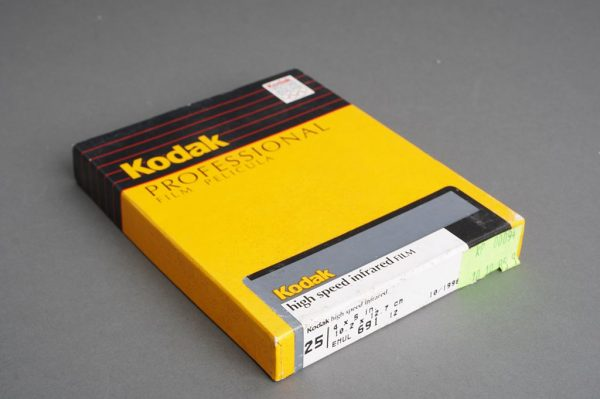 sealed box of 4×5 inches Kodak high speed infrared / HSI 4143 film, 25 sheets, expired 10/1996 or 06/1997