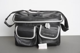 Very nice Hasselblad shoulder / carry outfit bag, approx. 38x28x25 externally
