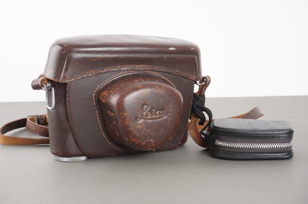 Leica Leitz everready case for M3 camera, 3/8 thread to mount