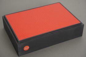 Leica rubber display stand, 21x15x5 cm