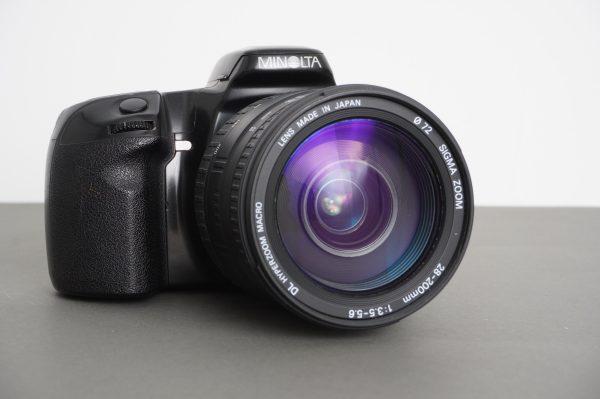 Minolta Dynax 500si with Sigma 28-200 1:3.5-5.8 AF lens