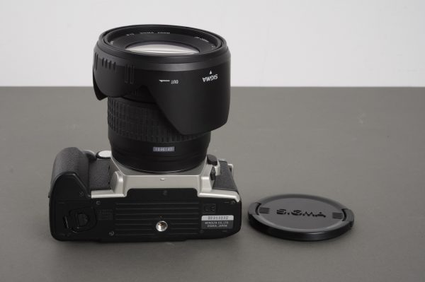 Minolta Dynax 4 with Sigma 28-200mm 1:3.5-5.6 Hyperzoom lens