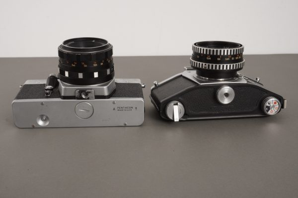 Lot of 2x vintage SLR cameras: Exakta and Praktica, with 50mm lenses, defective