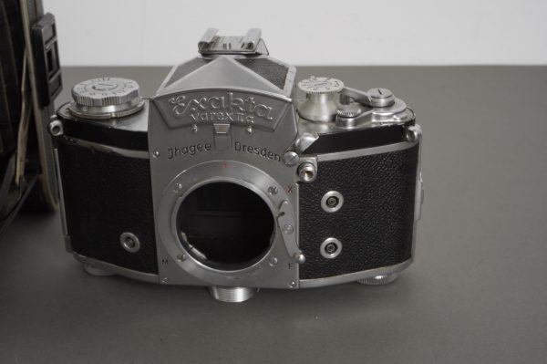 3x vintage film cameras: Zorki, Exakta, folding