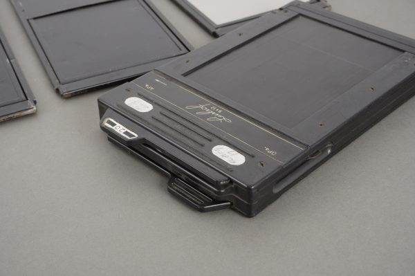 Linhof 9×12 DD# film holder + 3x metal 9×12 sheet film holders