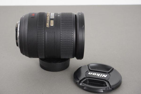 Nikon AF-S Nikkor 18-200mm 1:3.5-5.6 G ED VR lens