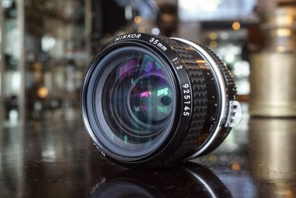 Nikon Nikkor 1:2 / 35mm AI lens