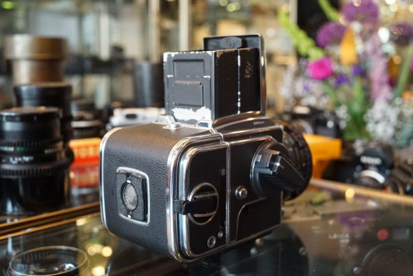 Hasselblad 503CW kit with Carl Zeiss Planar 2.8 / 80mm CFE