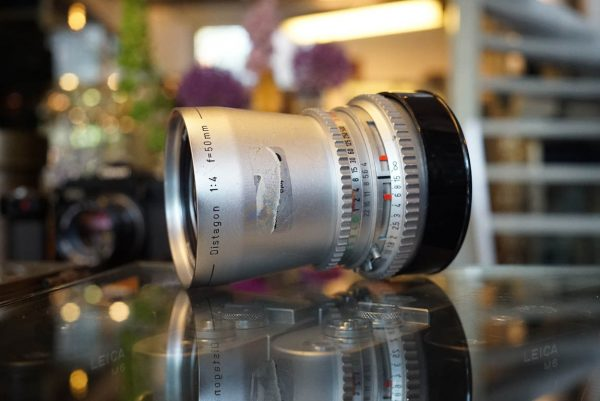 Carl Zeiss Distagon 1:4 / 50mm lens, Chrome, for Hasselblad