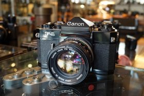 Canon F-1 kit + Canon FD 1:1.4 / 50mm lens