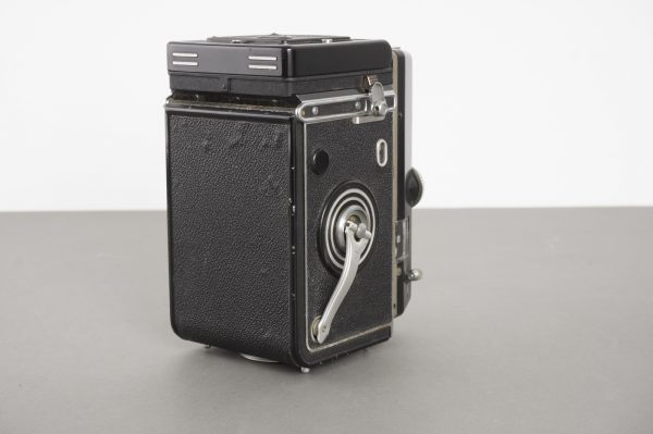 Rollei Magic II TLR camera with 3.5/75 Xenar lens